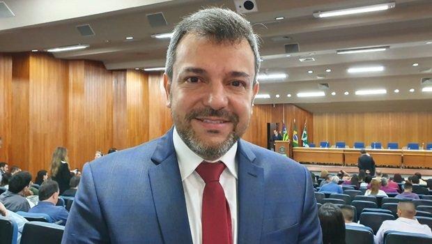 Prefeito Vinícius Luz \ Foto: Lívia Barbosa/Jornal Opção